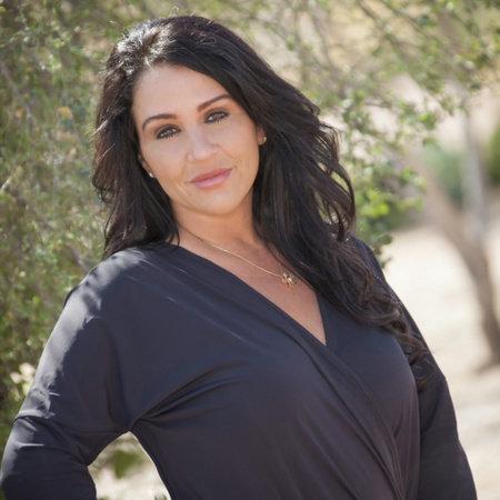 Photo of Tracy Barker
