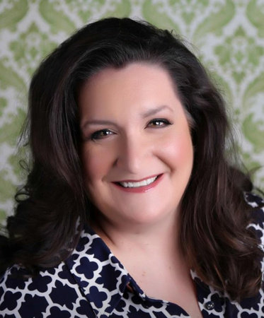 Photo of Laura Marie Altom