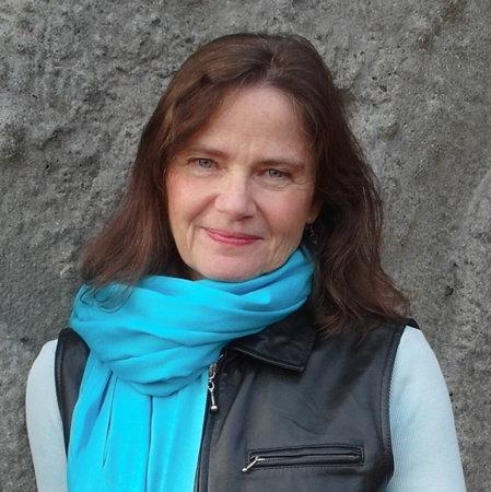 Janet Lee Carey