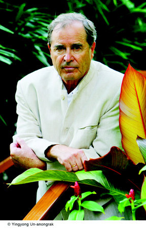 Photo of Paul Theroux