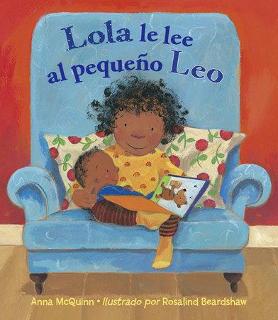 Lola le lee al pequeno Leo by