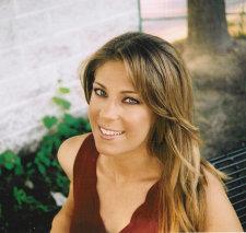 Alexandra Robbins