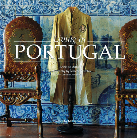 Living in Portugal (New Edition)